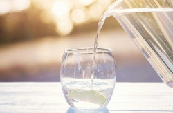 لاغری با آب! آیا نوشیدن آب باعث کاهش وزن می شود؟ | تغذیه
